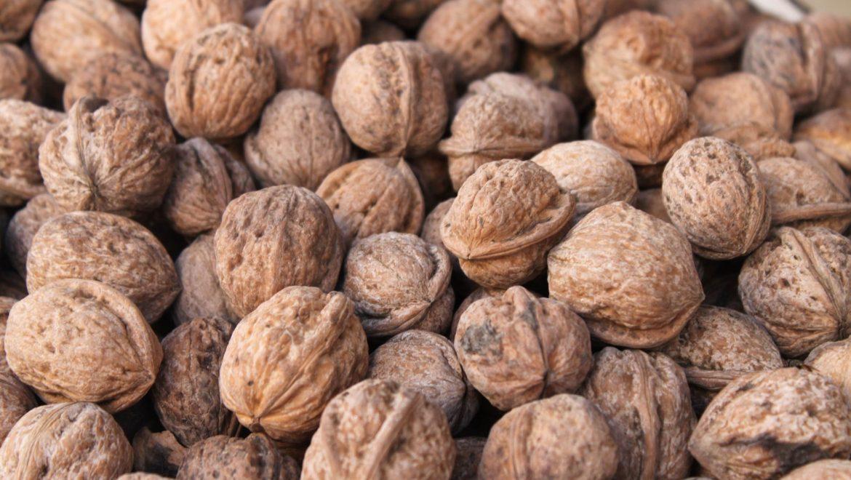 Las nueces son frutos saludables que puedes comer en invierno